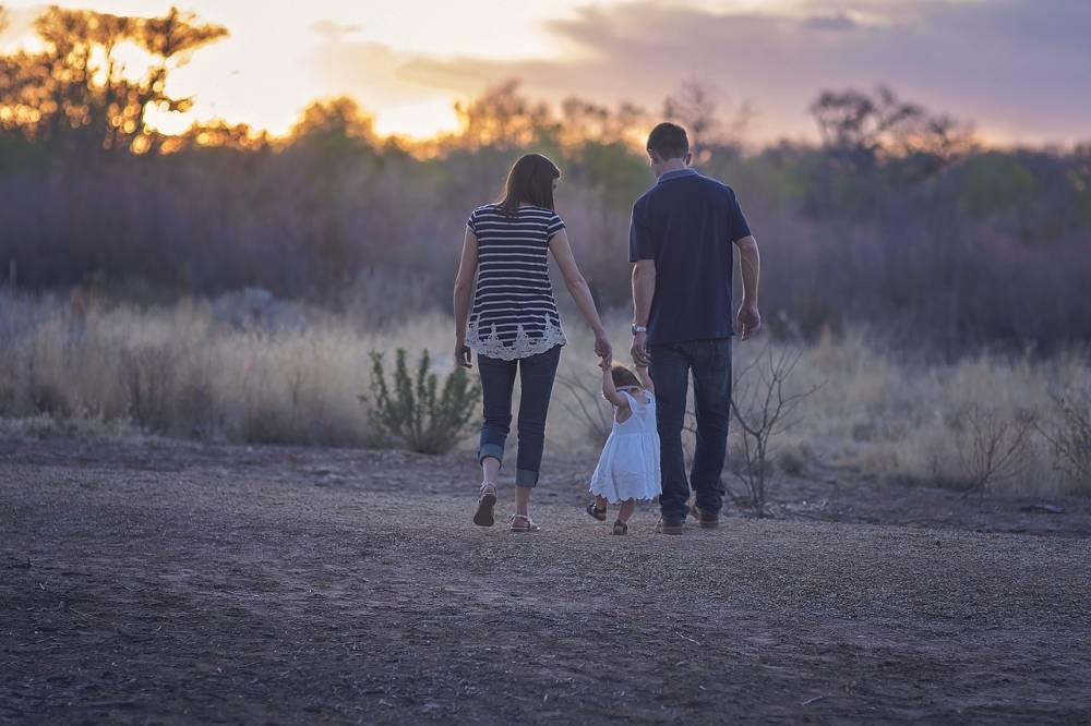 Familie mit Kind zum Thema im Lohnsteuerhilfeverein nebenberuflich Einkommensteuerberatung